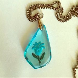 Vintage Clear Blue Carved Flower necklace/choker